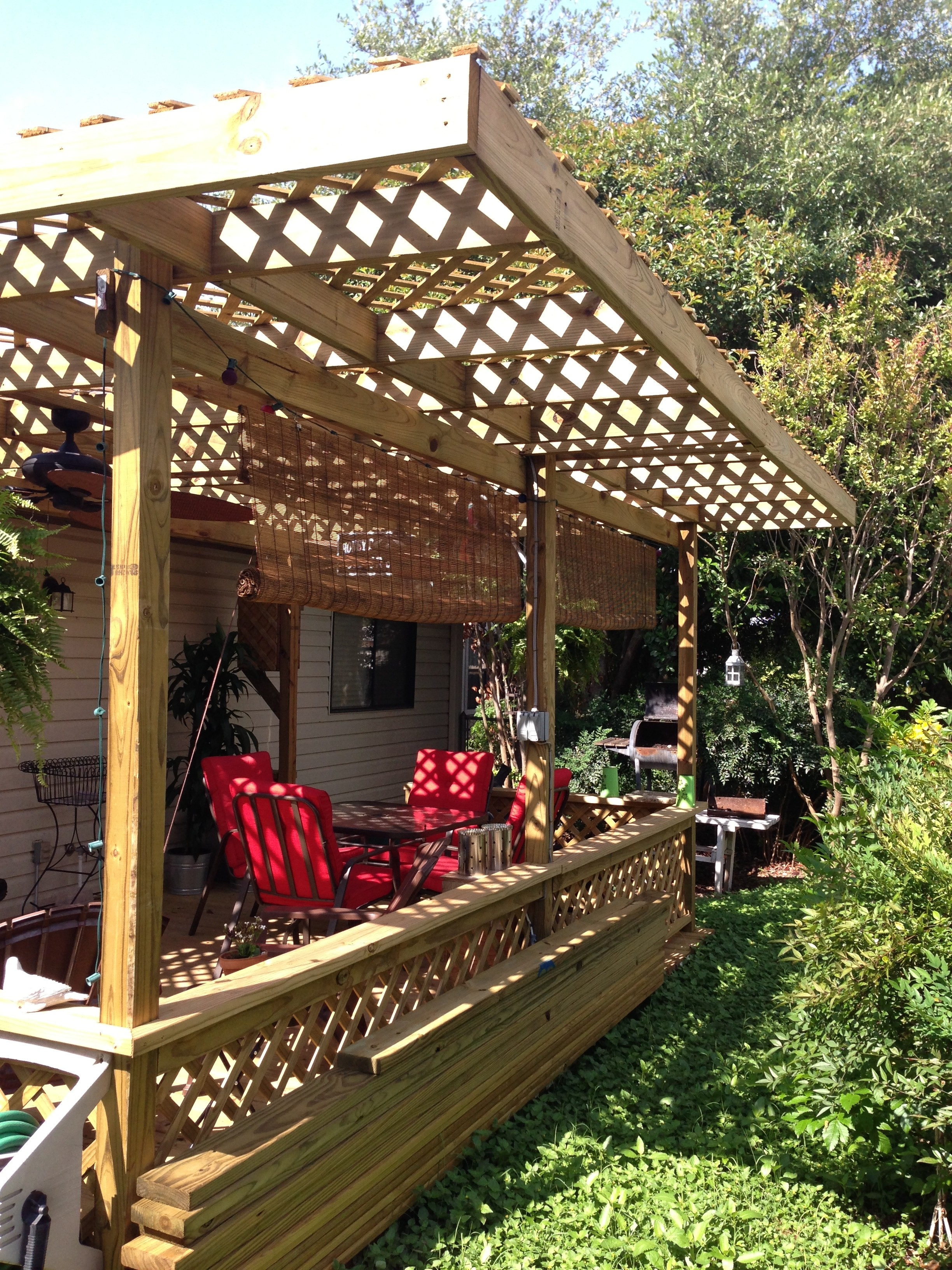 Deck Lattice Roof Creates a Beautiful Pergola Style